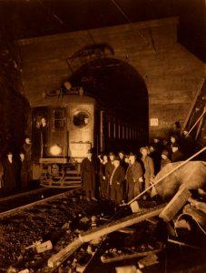 elk-rock-tunnel-openinge